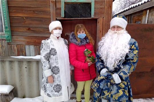В Алатырском районе продолжается акция «Новогодний подарок детям»