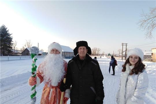 Дед Мороз и Снегурочка поздравляют жителей Алатырского района с наступающим Новым годом