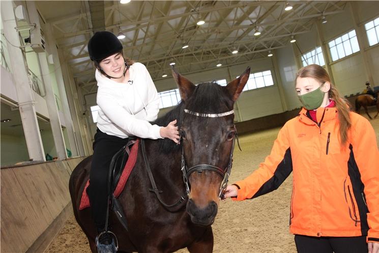 Олег Николаев исполнил ещё одну новогоднюю мечту ребёнка в рамках акции «Ёлка желаний»