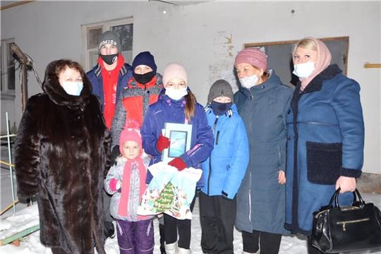 Альбина Егорова приняла участие в новогодней акции «Елка желаний»