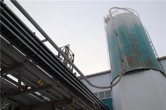 Министр промышленности Чувашии осмотрел работу системы нейтрализации выбросов на «Химпроме»