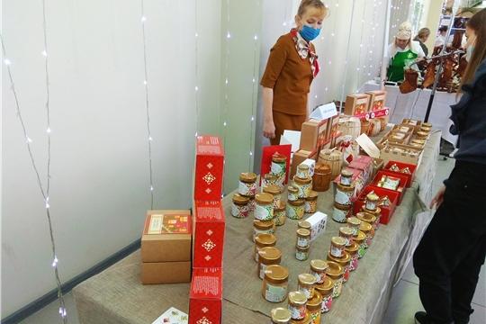 Посол Республики Шри-Ланка в РФ продегустировал продукцию чувашских сельхозтоваропроизводителей.