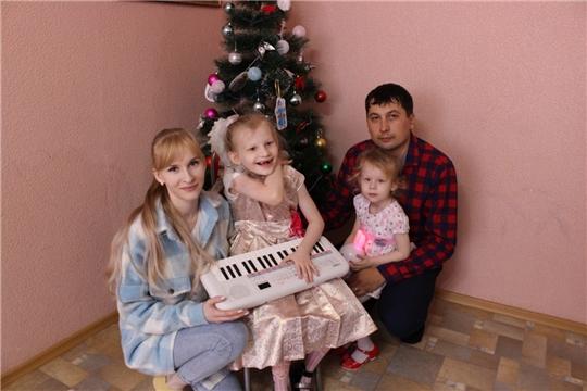 Певица Диана Гурцкая исполнила новогоднее желание маленькой жительницы Канаша