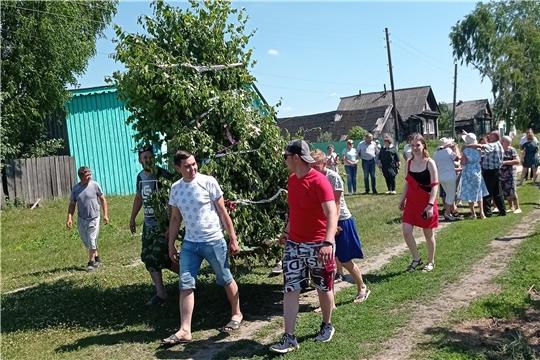 Жители Атратского сельского поселения традиционно отметили праздник Святой Троицы