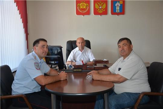 Встреча главы администрации Батыревского района с представителями ГИБДД