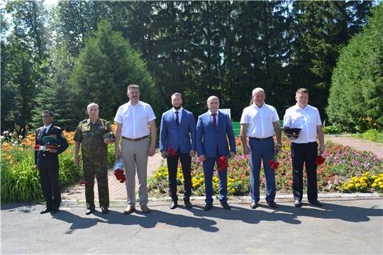 Состоялось возложение цветов к памятнику Неизвестного солдата, в честь Дня ветеранов боевых действий