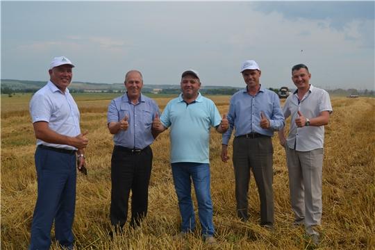 В Чебоксарском районе началась уборка зерновых культур