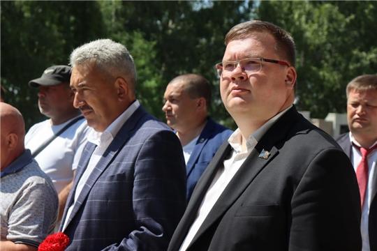 В День ветеранов боевых действий глава города Чебоксары возложил цветы