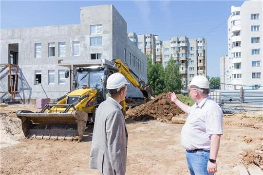 Олег Кортунов посетил объекты строительства и реконструкции образовательных учреждений
