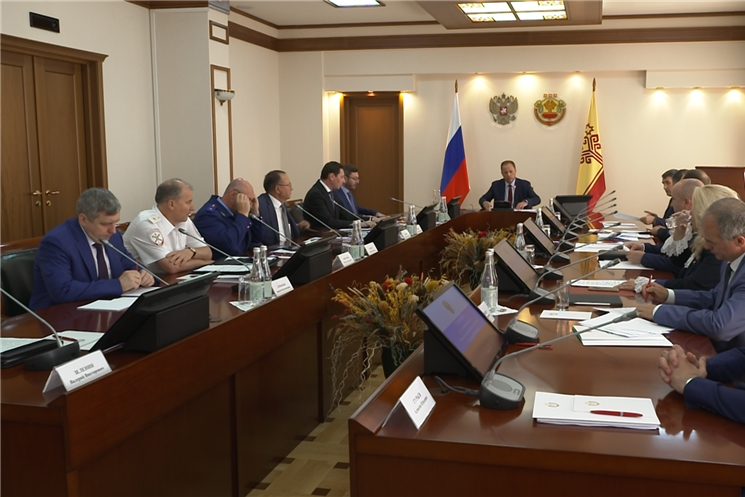 Глава Чувашии Олег Николаев и Полномочный представитель Президента России в ПФО Игорь Комаров обсудили организацию выборного процесса.