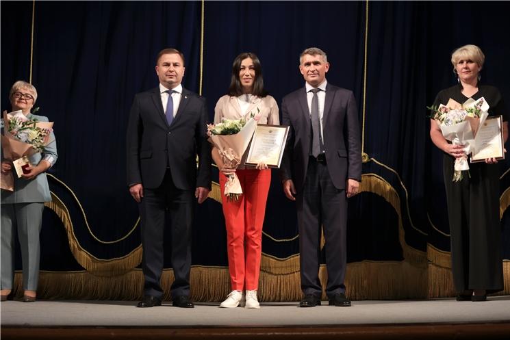 Олег Николаев принял участие в мероприятии в честь благотворительной акции «Спасибо вам, родные доктора»