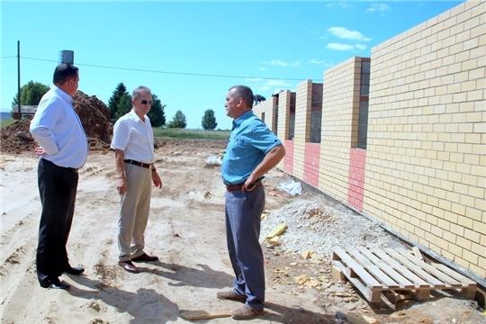 Александр Федотов ознакомился с ходом строительства Ярабайкасинского Дома культуры