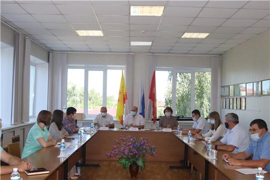 Состоялось выездное заседание  Комитета по бюджету, финансам и налогам в городе Алатыре