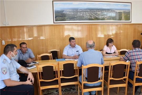 Глава администрации Валерий Шигашев провел внеочередное заседание городского оперативного COVID-штаба