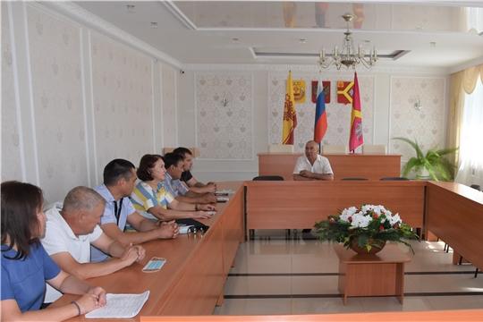 Глава администрации района Александр Кузнецов встретился с предпринимателями, работниками сферы обслуживания и ЖКХ  Красноармейского района