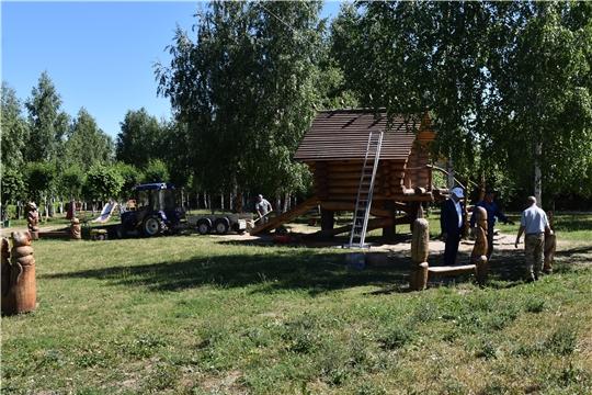 Глава администрации района Александр Кузнецов посетил детский городок «Юмах»