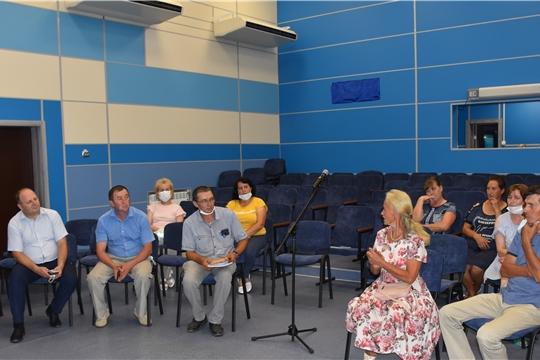 В клубе «Заволжский» Красноармейского района состоялось общественное обсуждение дизайн-проекта по благоустройству детского парка