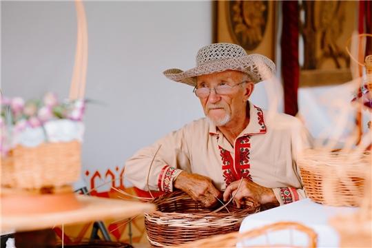 Лауреаты V Республиканского фестиваля-конкурса народного творчества для лиц пожилого возраста и ветеранов «Ҫирĕп пирĕн çунатсем!»