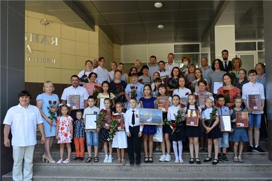 Награждены победители конкурса «Сурский рубеж в моей семье»