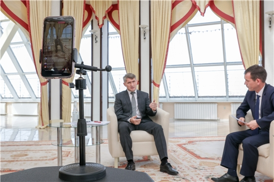 Глава Чувашии Олег Николаев провел «прямую линию» с гражданами в социальных сетях
