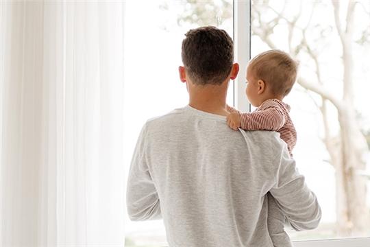 Минтруд предлагает уточнить правила получения отцами материнского капитала