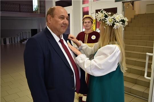 В День семьи, любви и верности в Ядрине состоялось вручение медалей «За любовь и верность»