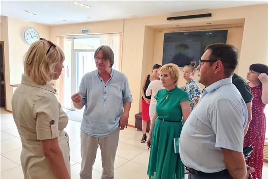 Министр культуры проверила ход выполнения ремонтных работ учреждений культуры Новочебоксарска