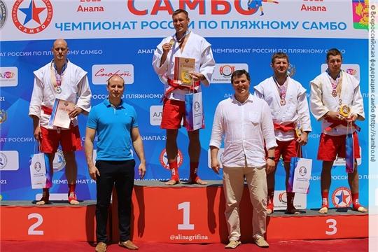 Максим Иванов – победитель, Татьяна Федорова – призер чемпионата России по пляжному самбо
