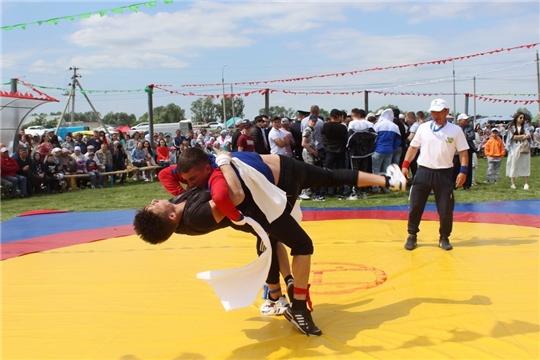 Многочисленные спортивные состязания и турниры проходят в районах Чувашии в рамках празднования Акатуя