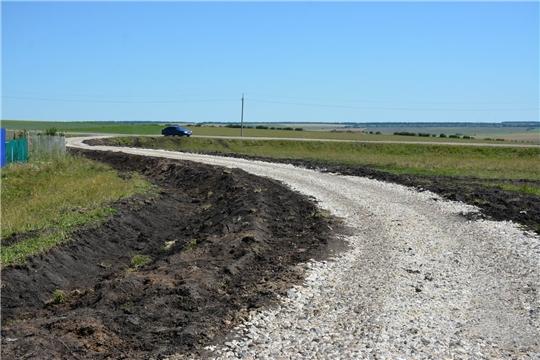 В деревне Большие Яуши ремонтируются дороги, благоустроено сельское кладбище