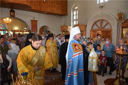 Митрополит Чебоксарский и Чувашский Высокопреосвященнейший Савватий провел службу в Храме села Калинино