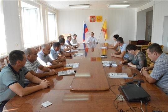 Глава администрации Янтиковского района Владимир Михайлов провел совещание с главами сельских поселений