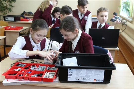 Мобильный технопарк «Кванториум» в Алтышевской средней школе