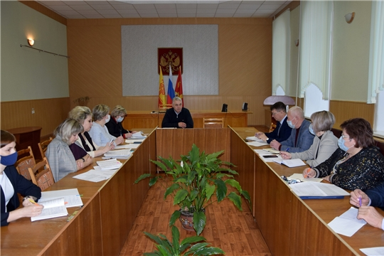 В администрации Алатырского района состоялось совещание с руководителями общеобразовательных учреждений
