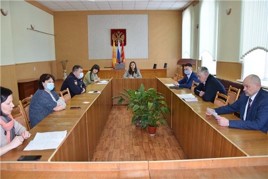 Состоялось заседание оперативного штаба по предупреждению распространения новой коронавирусной инфекции на территории Алатырского района