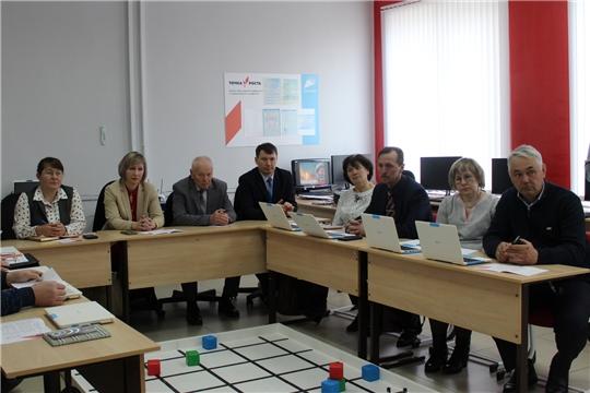 В Центре цифрового и гуманитарного профиля «Точка роста» Алтышевской средней школы прошел семинар руководителей общеобразовательных учреждений
