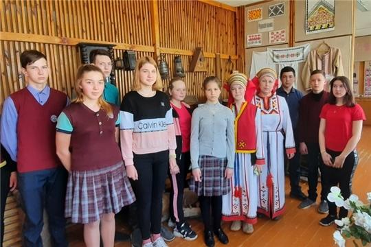 В рамках Всероссийской акции «Народная культура для школьников» в Алтышевском СДК состоялся фолк-урок