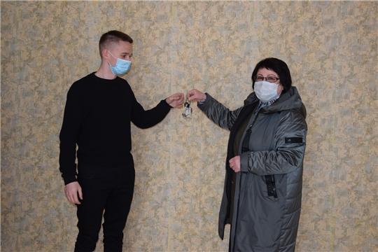 Трое детей-сирот из Алатырского района получили жильё