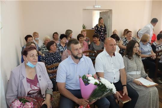 Поздравления с профессиональным праздником принимали сотрудники центра социального обслуживания населения г.Алатыря и Алатырского района