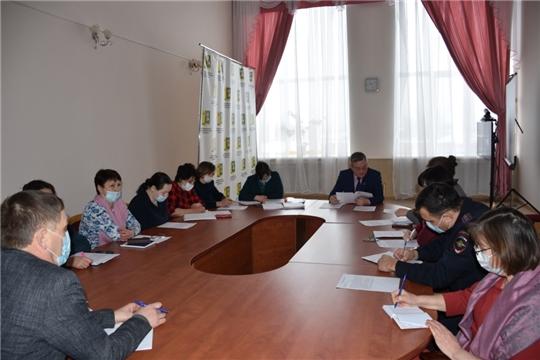 Состоялось очередное заседание комиссии по делам несовершеннолетних и защите их прав