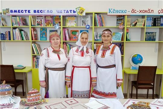 Мастера чувашской вышивки собрались на праздничное мероприятие 8 марта.