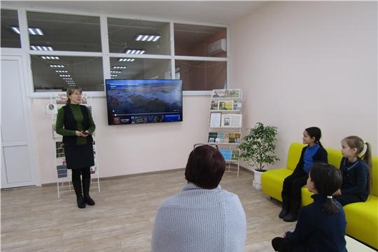 Аликовская центральная библиотека провела историко–патриотический час «Крым и Россия — единая судьба»