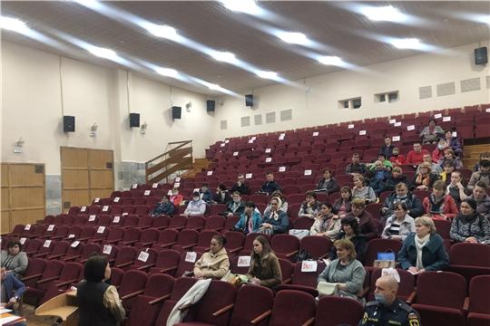 15 апреля в Районном Доме Культуры состоялось совещание с работниками культуры Аликовского района