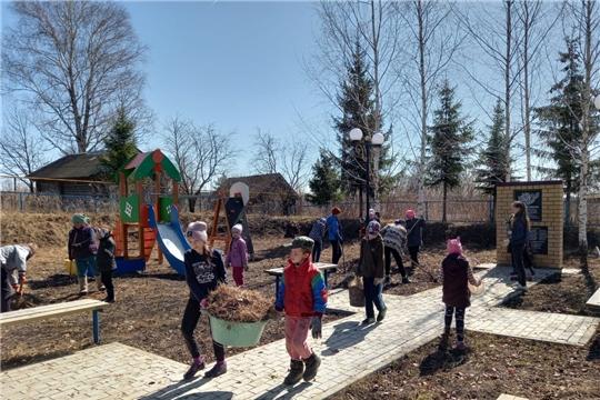 Волонтеры Чувашско-Сорминской школы провели субботники в рамках акции «Всемирный день заботы о памятниках истории и культуры»
