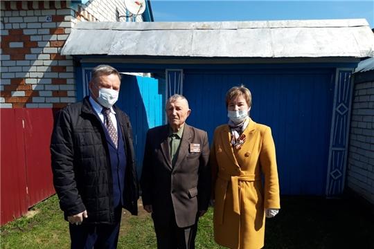 В Аликовском районе продолжаются чествования ветеранов Великой Отечественной войны.