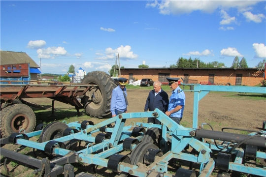 Аликовский район с рабочим визитом посетил начальник инспекции Гостехнадзора Чувашии Димитриев В.П