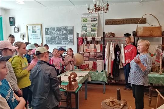 В Чувашско-Сорминском краеведческом музее прошла экскурсия на тему «Как рубашка в поле выросла»