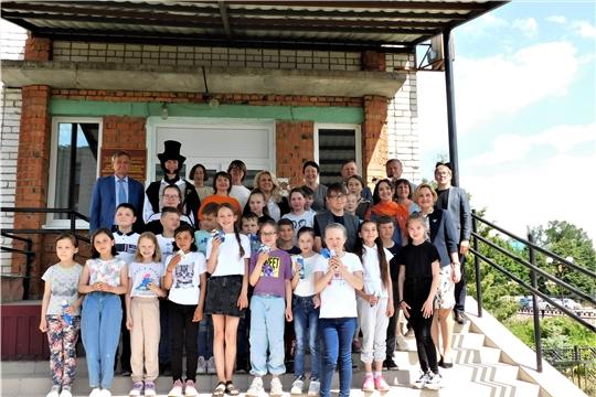 Заместитель Председателя Кабинета Министров Чувашской Республики - министр образования и молодежной политики - Алла Салаева посетила Аликовскую детскую библиотеку