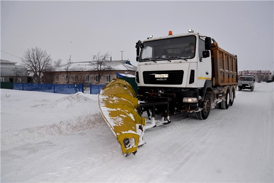 Продолжается уборка снега на территории Батыревского района
