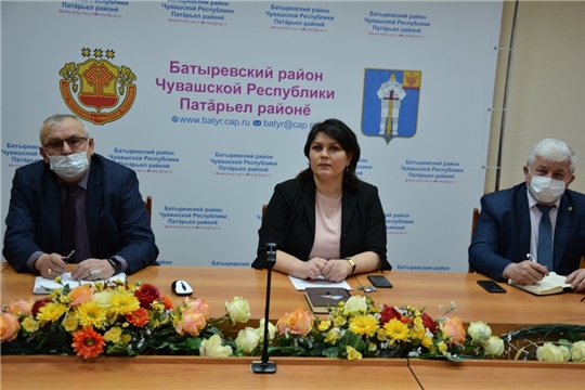 Состоялось очередное заседание оперативного штаба по предупреждению распространения новой коронавирусной инфекции на территории Батыревского района